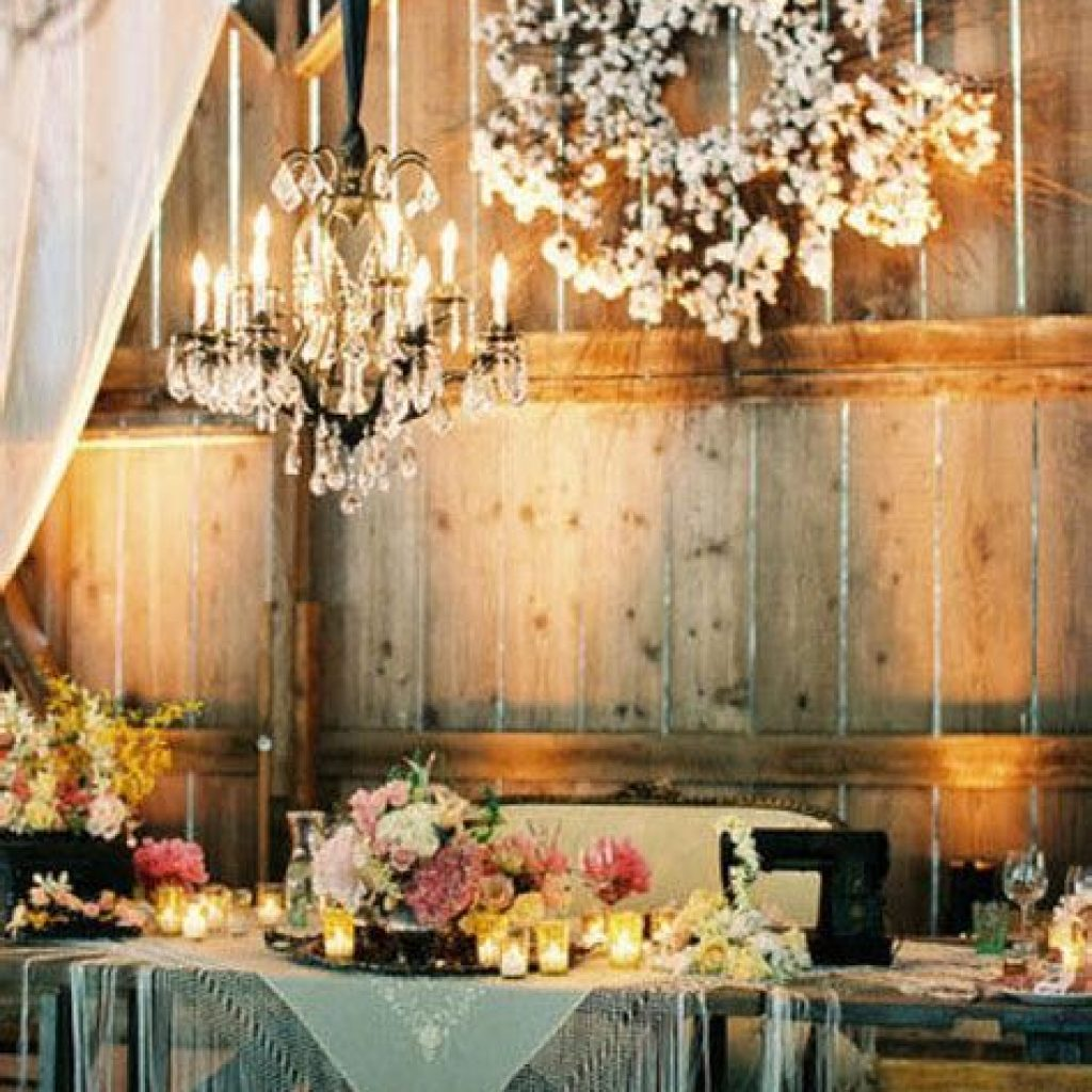 Romantic Rustic Wedding Decor Ideas 39