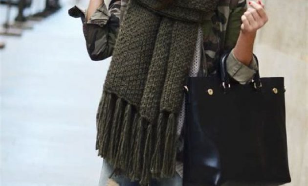 Stunning Fall Outfits Ideas With Scarves 15