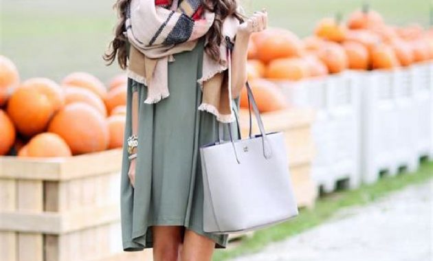 Stunning Fall Outfits Ideas With Scarves 17