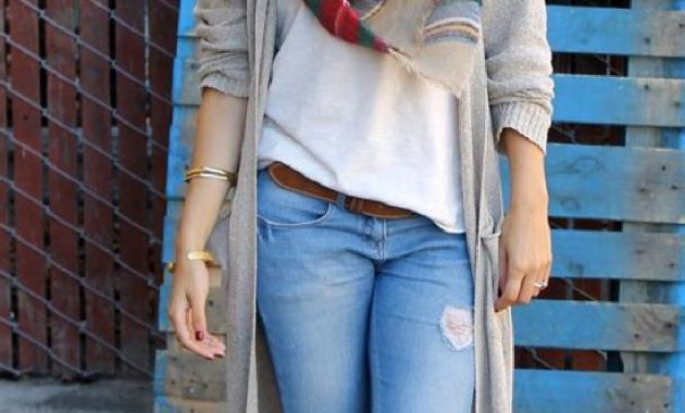 Stunning Fall Outfits Ideas With Scarves 35