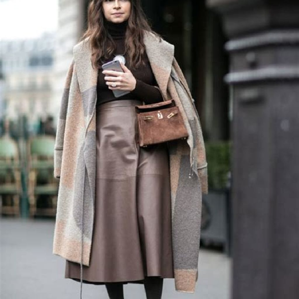 Stunning Fall Street Style Outfits Ideas For Women To Upgrade Your Look 03