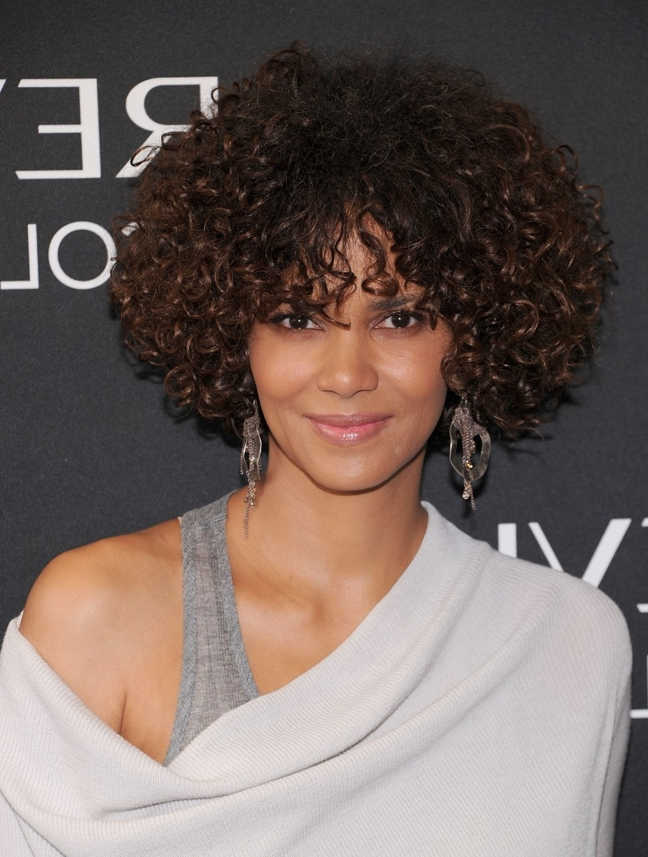 15 Of The Best Hairstyles For Medium Length Curly Hair The Curly Medium Length Hairstyles 2015