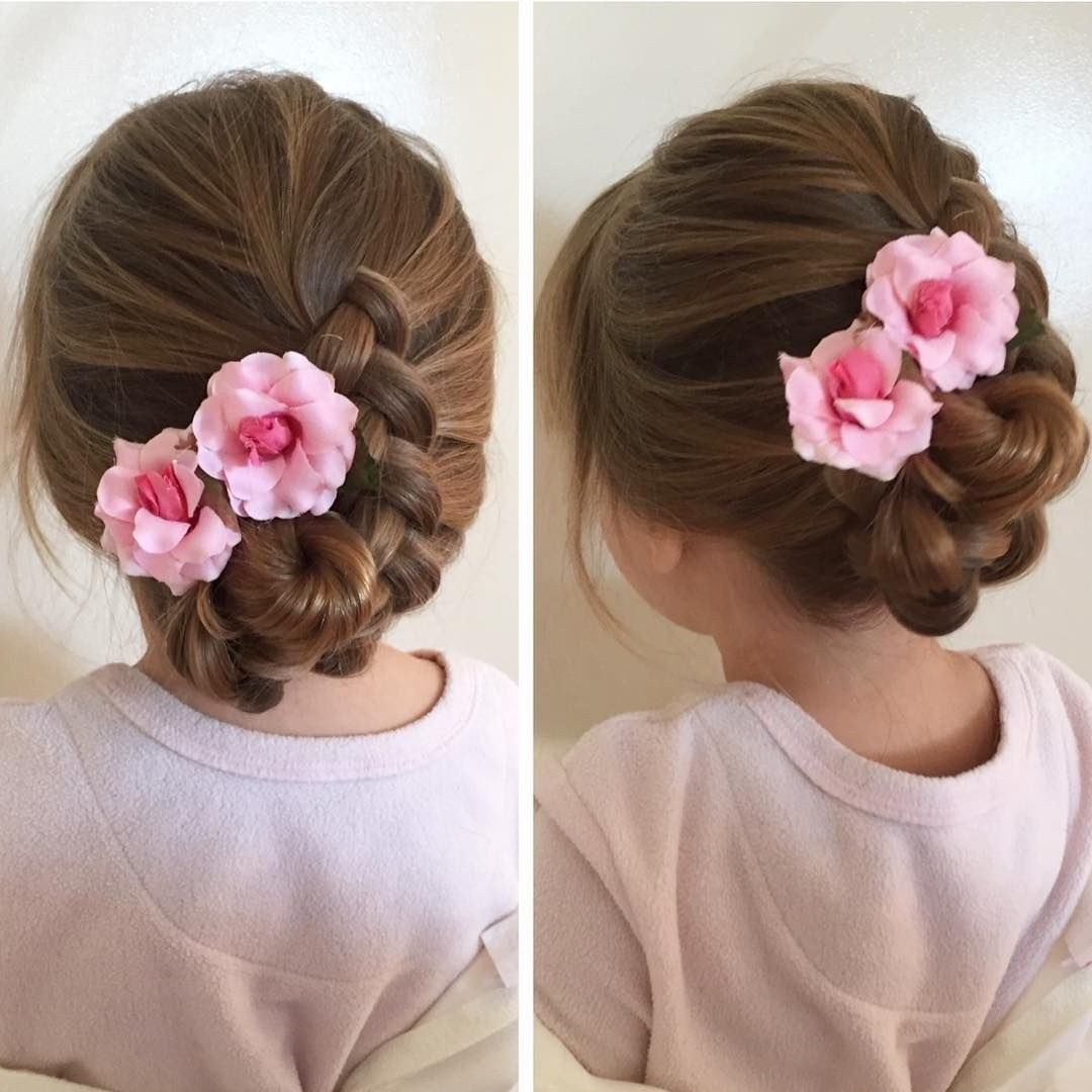 15 Pretty And Fabulous Hairstyles Perfect For Flower Girls Flower Girl Hairstyles For Medium Hair