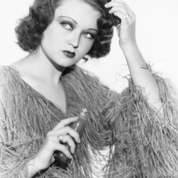 1930S Hairstyles | 30'S Inspired Hairstyles | Fashion Gone Rogue 1930'S Hairstyles For Medium Length Hair