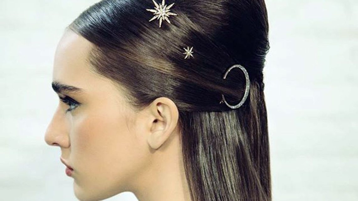 25 60S Hairstyles To Wear In 2021 60S Medium Length Hairstyles