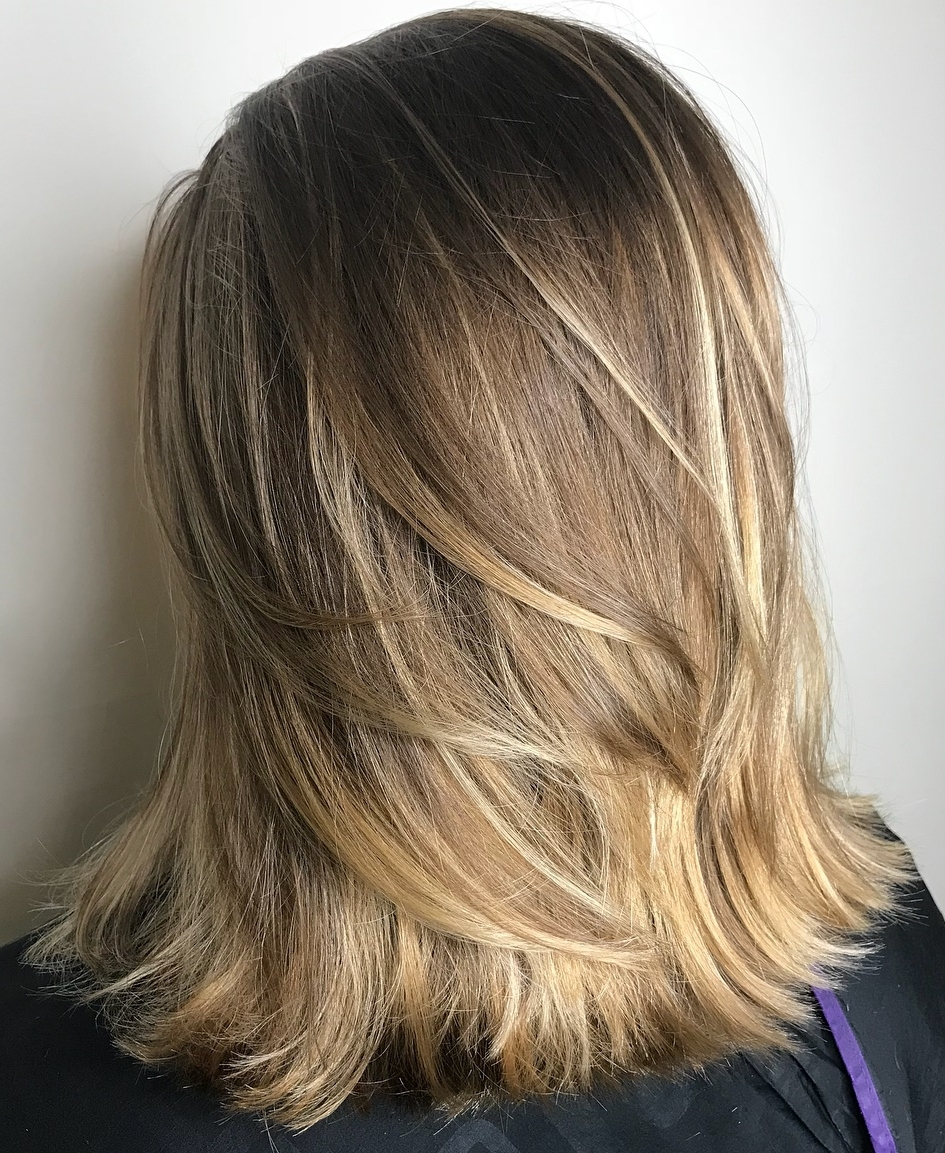 25 Must Try Medium Length Layered Haircuts For 2020 40+ Awesome Medium Flipped Up Hairstyles