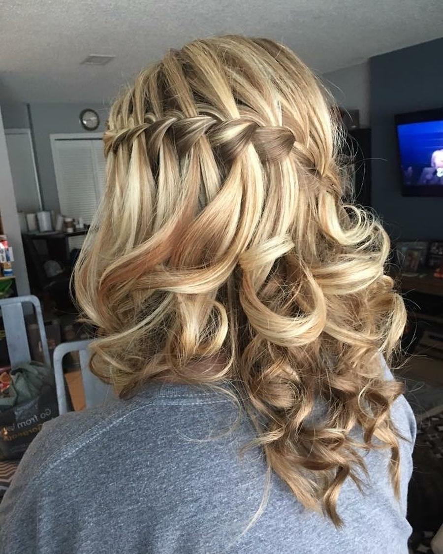 32 Cutest Prom Hairstyles For Medium Length Hair For 2021 40+ Stylish Formal Hairstyles For Medium Length Hair