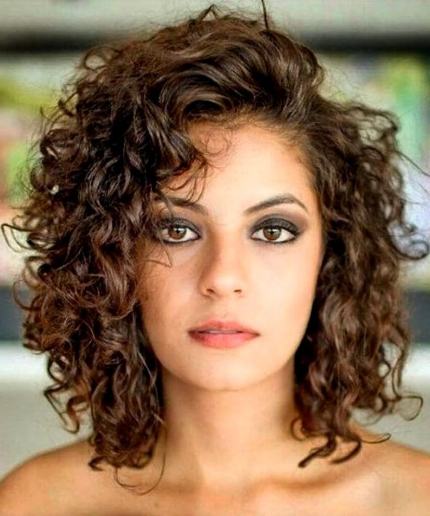 35 Medium Length Curly Hair Styles | Beattractive Medium Curly Hairstyles For Women