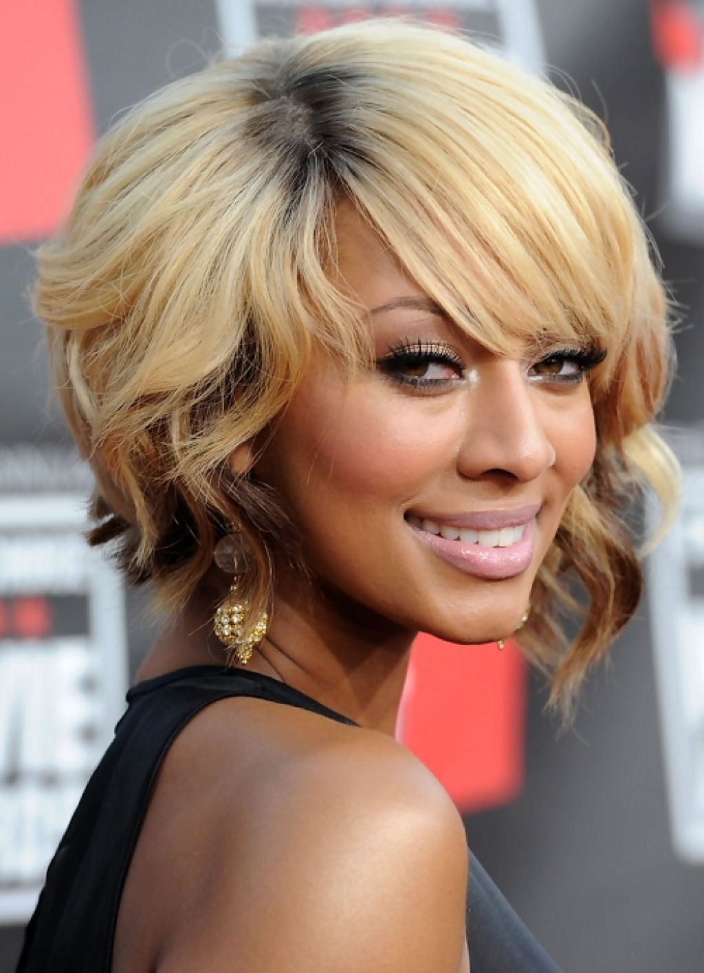 5 Hottest Medium Blonde Hairstyles For African American African American Medium Layered Hairstyles
