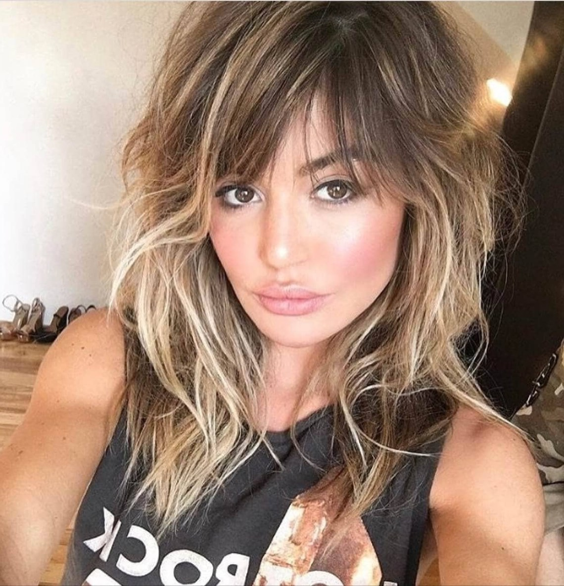 50 Breezy Hairstyles With Bangs To Make You Shine In 2020 10+ Stylish Medium Hairstyles With Bangs And Highlights