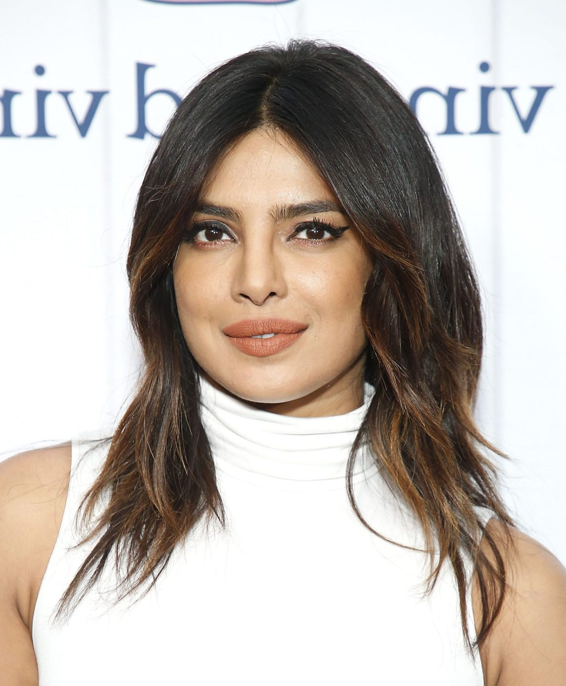 90 Best Medium Length Hairstyles, Haircuts, And Hair Ideas 30+ Amazing Round Face Layered Low Maintenance Medium Length Hairstyles