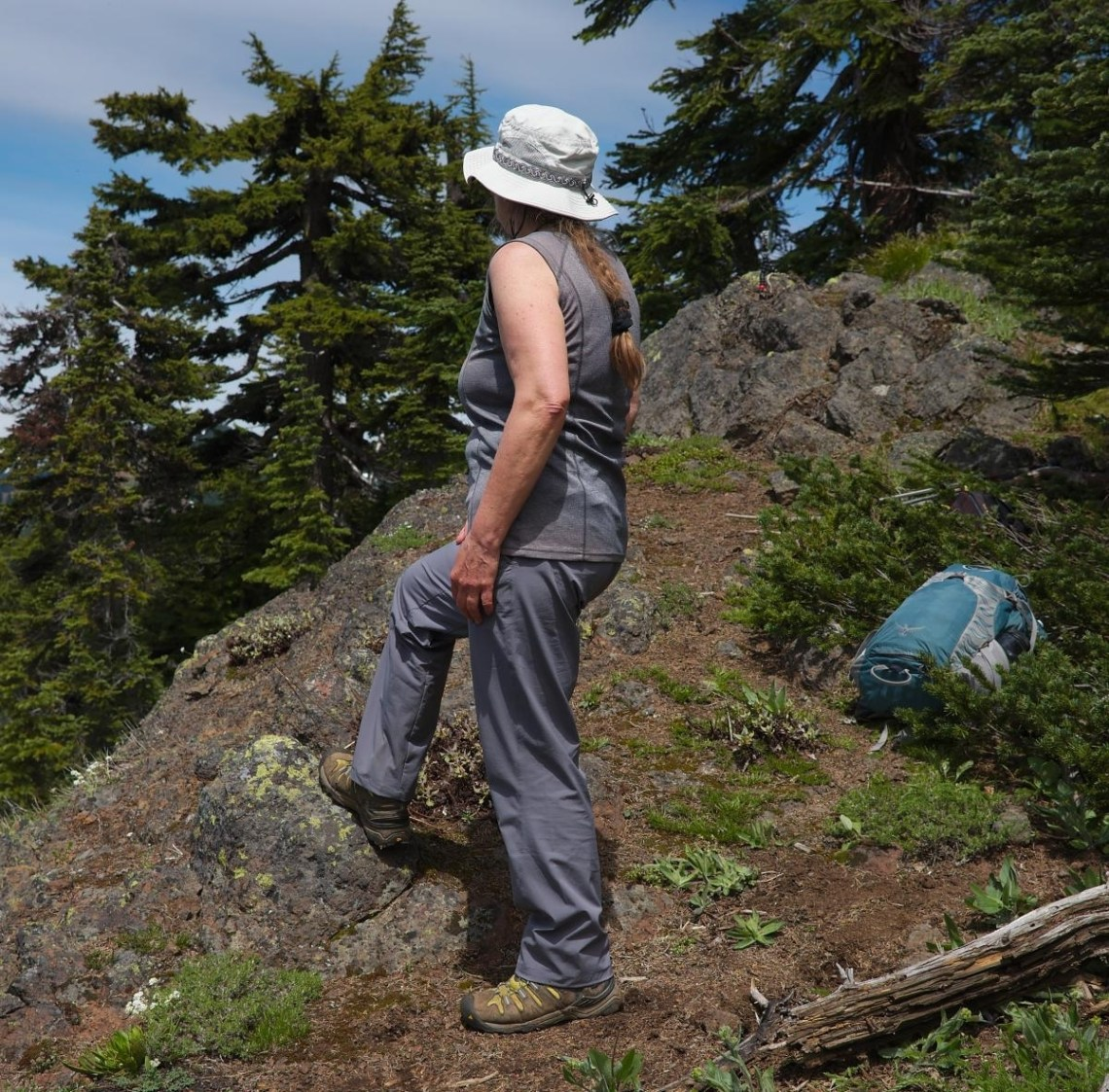 Best Female Hiker Hygiene Tips: How To Stay Clean On The Trail 30+ Cute Hiking Hairstyles For Medium Hair