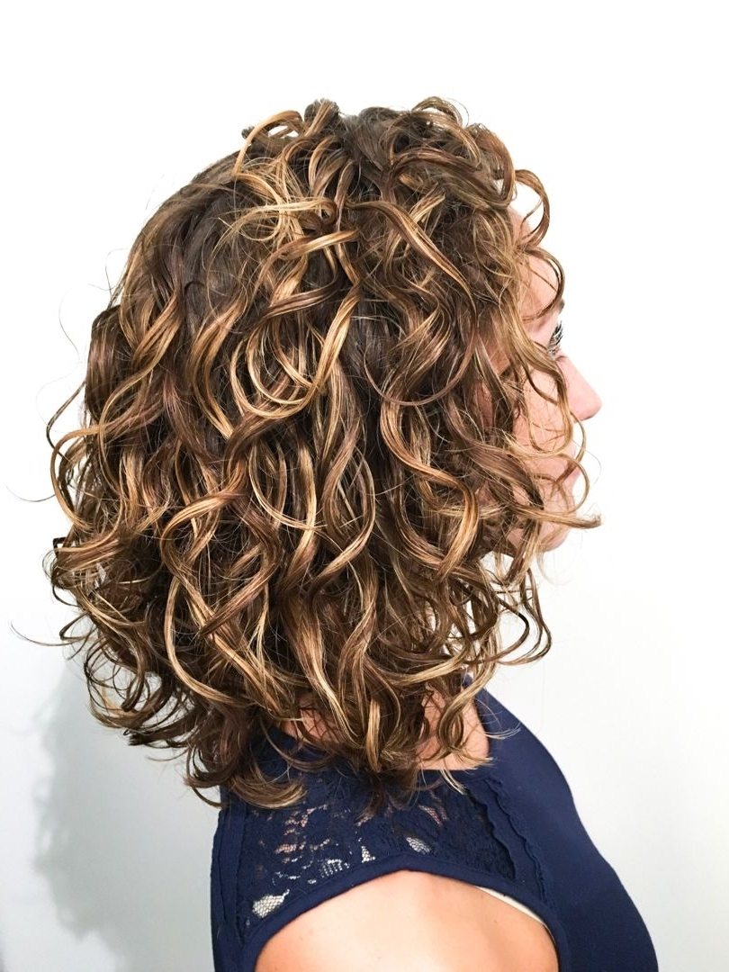 Curly Hair Medium Length | Curly Hair Styles Naturally, Long 40+ Amazing Medium Curly Hairstyles For Women
