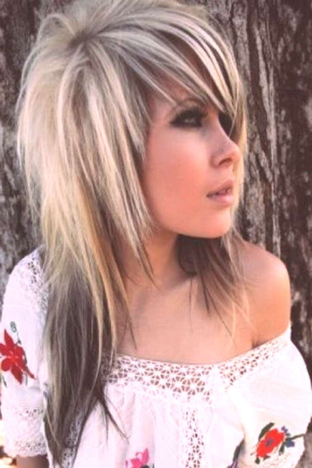 Emo Haircuts For Girls With Long Hair Emo Haircuts For 40+ Stylish Emo Hairstyles Medium Length Hair