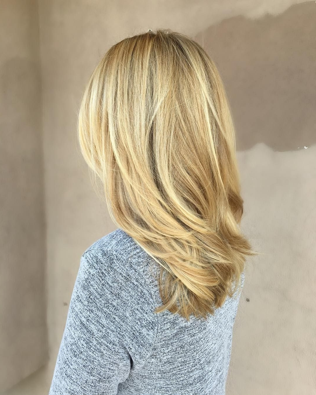 Medium Length Beige Blonde Straight Hair With Layers | Hair 10+ Awesome Medium Length Blonde Hairstyles Straight