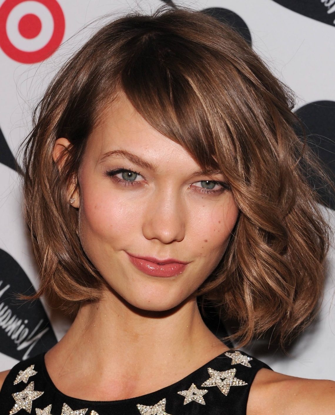 Medium Length Haircuts With Bangs And Layers Women Hairstyles 20+ Awesome Medium Wavy Hairstyles With Side Bangs