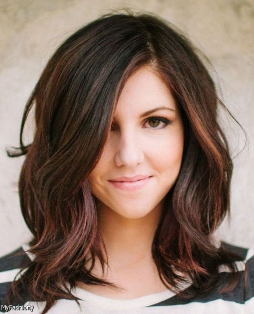 Pin On Mm Print Ads Medium Wavy Hairstyles With Side Bangs