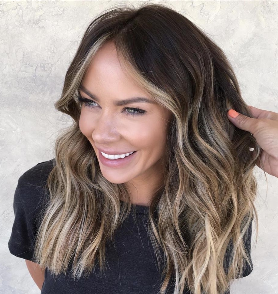 The Most Flattering Medium Length Brown Hairstyles To Try In 40+ Cute Medium Brunette Hairstyles
