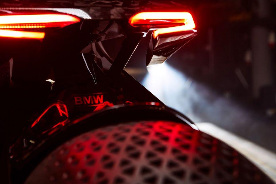 bmw-motorrad-vision-next-100-concept-05-1200x800-960x640