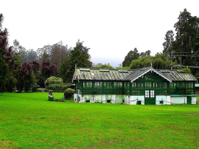 Colonial house in ooty botanical garden