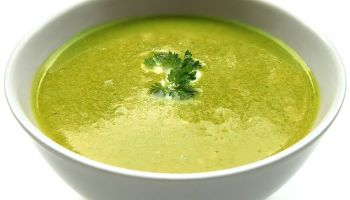 Broccoli and green peas soup