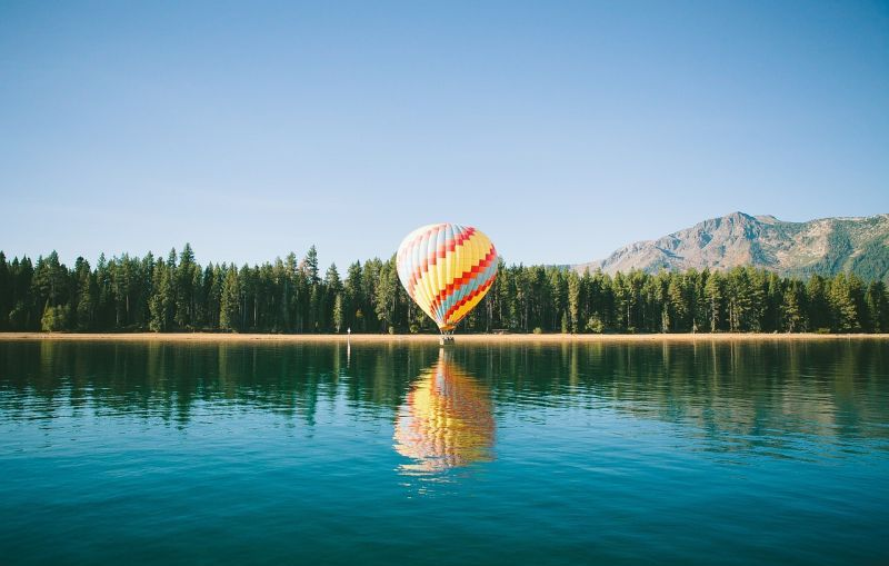 Best places to enjoy hot-air balloon rides all around the world