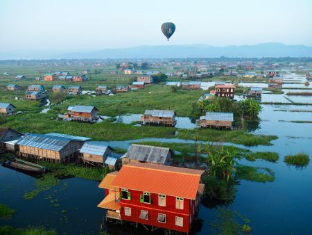 Inle lake - Best places to enjoy hot-air balloon rides all around the world