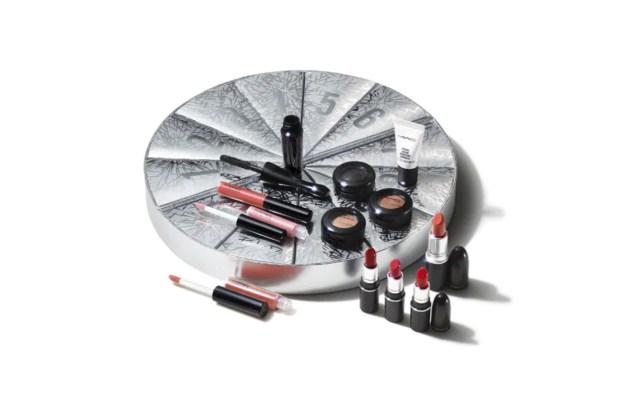MAC Cosmetics Canada MAC Boom Boom Wow 2020 Mini Advent Calendar Unboxing 2021 - Glossense