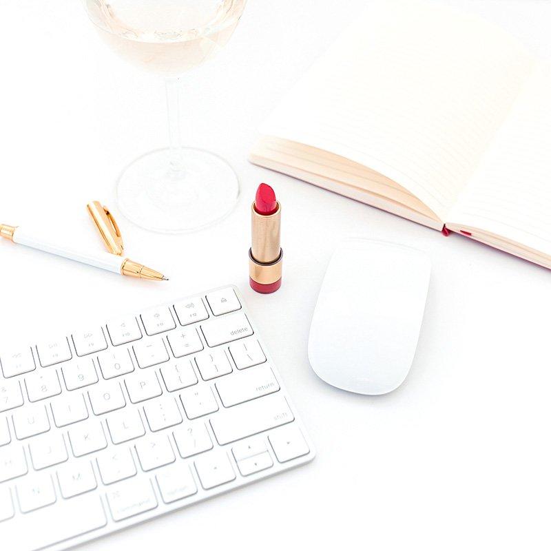 lipstick mouse keyboard