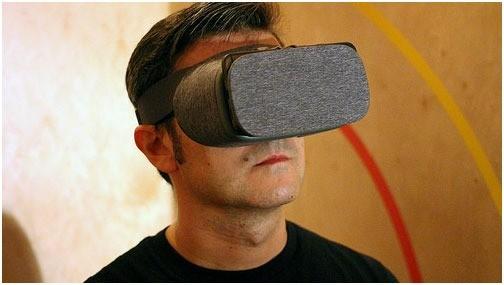 vr-headsets-tom-lennon