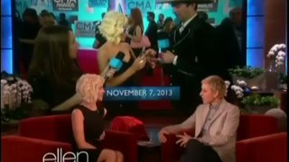 Kellie Pickler Interview And Performance Nov 13 2013