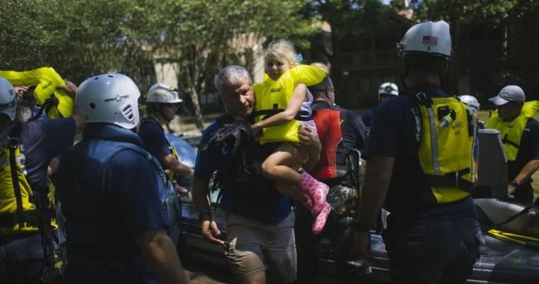 "Washington Post: ""Texans' do-it-ourselves rescue effort defines Hurricane Harvey"""