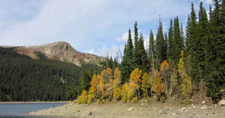 Hiking Around Jefferson Lake in Autumn