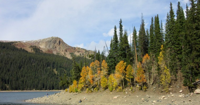 Hiking Around Jefferson Lake in Autumn