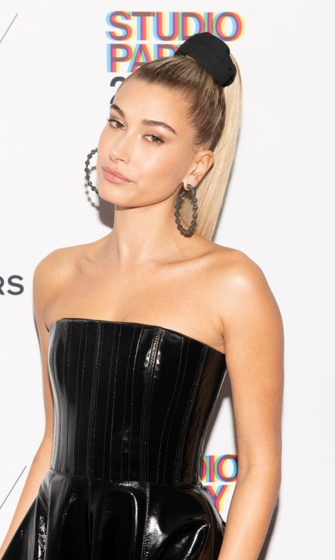hailey-baldwin-attends-the-whitney-museum-celebrates-the-news-photo-1578434215.jpg