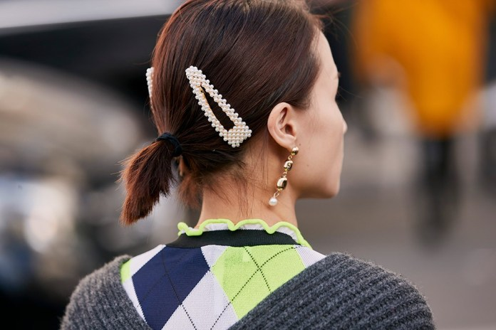 06-paris-fall-2019-couture-street-style-oversized-pearly-barrettes-low-ponytail.jpg