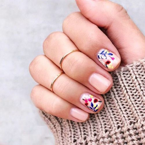 flower-nail-designs-square-shape-short-red-blue-yellow-leaves-art-500x500.jpg