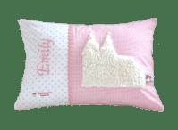 Namenskissen mit Kölner Dom aus flauschigem Stoff, appliziert auf rosa Vichykaro