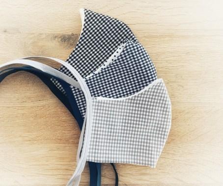 Stoffmasken reinigen - farbgleiche Masken in der Waschmaschine waschen