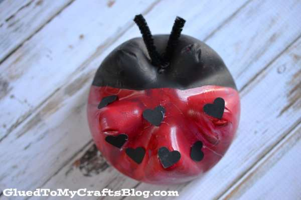 Recycled Soda Bottle Ladybug {Kid Craft}