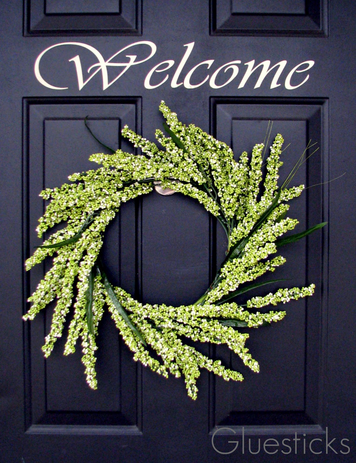 Greenery Wreath {Using A Coat Hanger}