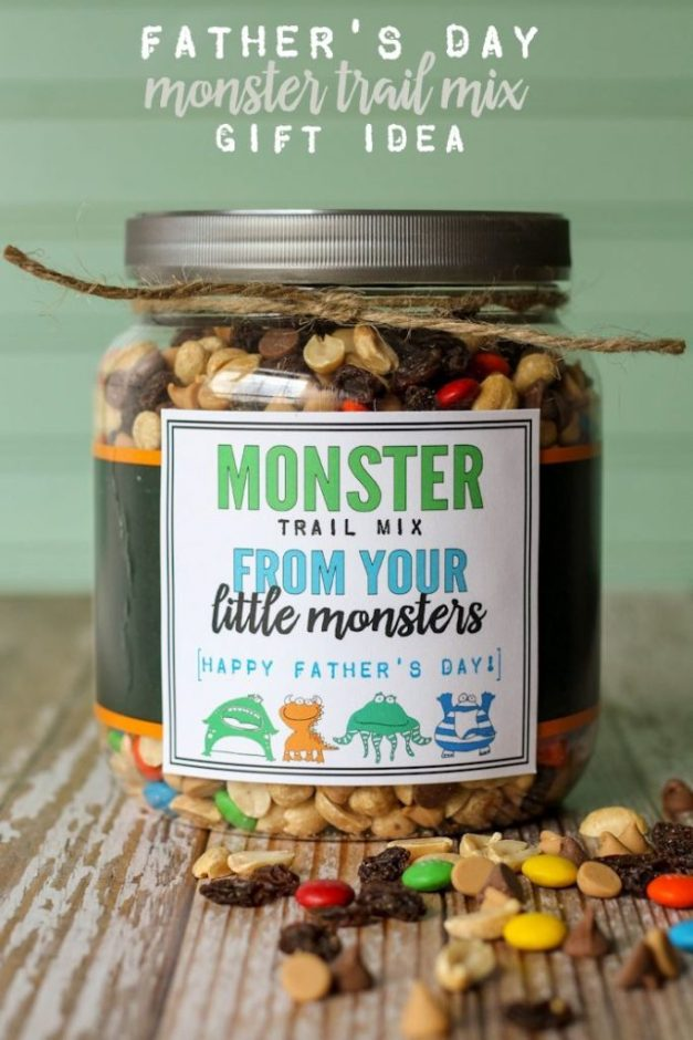 A collection of personalized gift ideas for Dad! Snack mixes, photo gifts, soda pop gift ideas, homemade BBQ sauce and more!