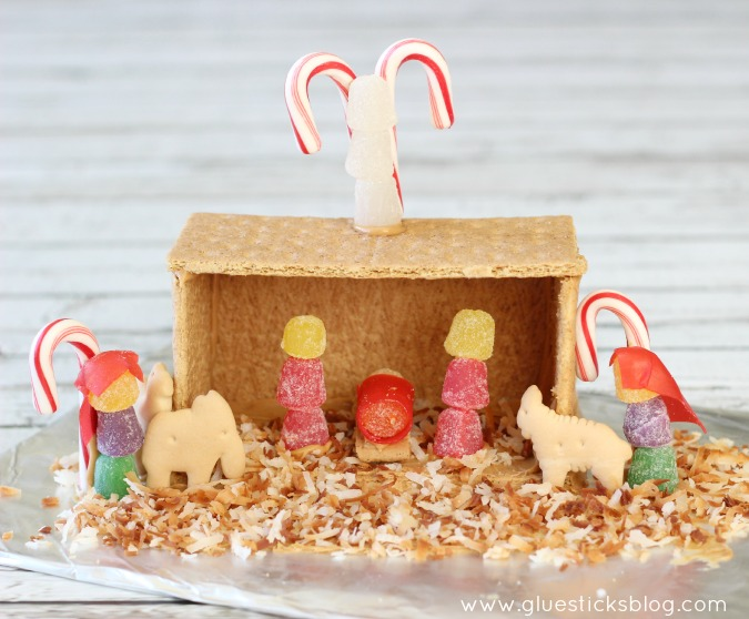 Make a Graham Cracker House Nativity with the Kids This Christmas