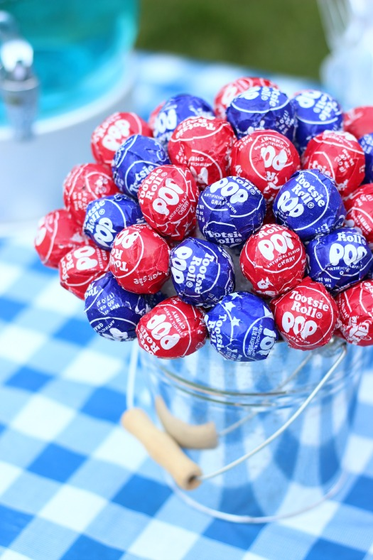 Patriotic Lollipop Centerpiece Gluesticks