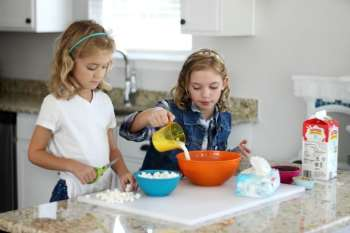 Kids in the Kitchen: Rocky Road Pops