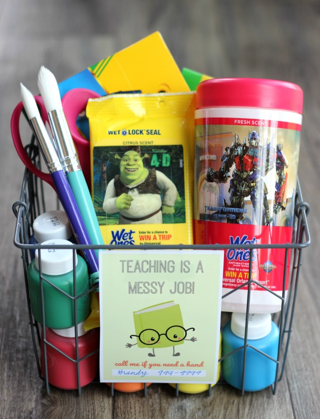 A cute and practical back to school giftidea for the classroom. Let your child's teacher know that they can count on you for help during the school year by attaching this darling printable to a container of hand wipes or a bottle of hand sanitizer!