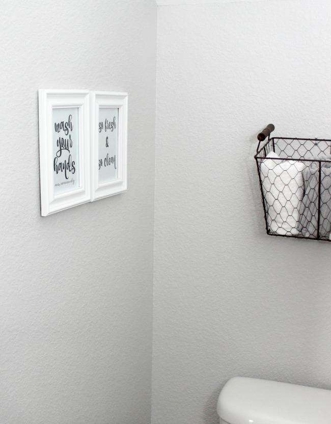 Bathroom Wall Art Free Printables to Easily Print and Hang