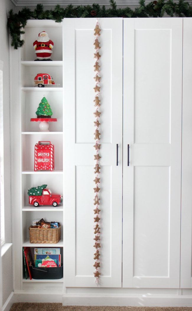 Count down the days to Christmas with this gingerbread cookie advent! Cut one cookie off every day until Christmas Eve.