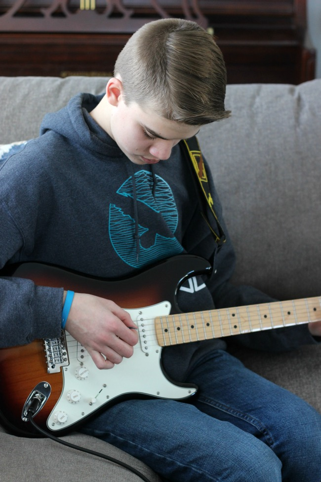 Fender Play is a guided online learning program that teaches new guitar players to get playing in minutes. We were instant fans and have been sharing our experience a long the way.