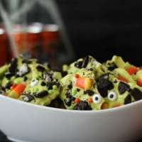 Halloween Oreo Bark Is a Great Recipe for Kids!